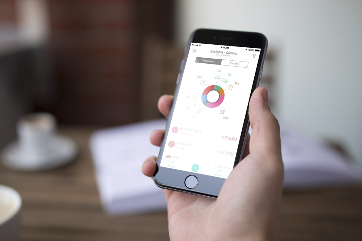 how to build a fintech app