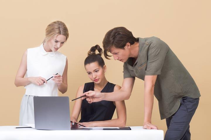 Scheduling online software development